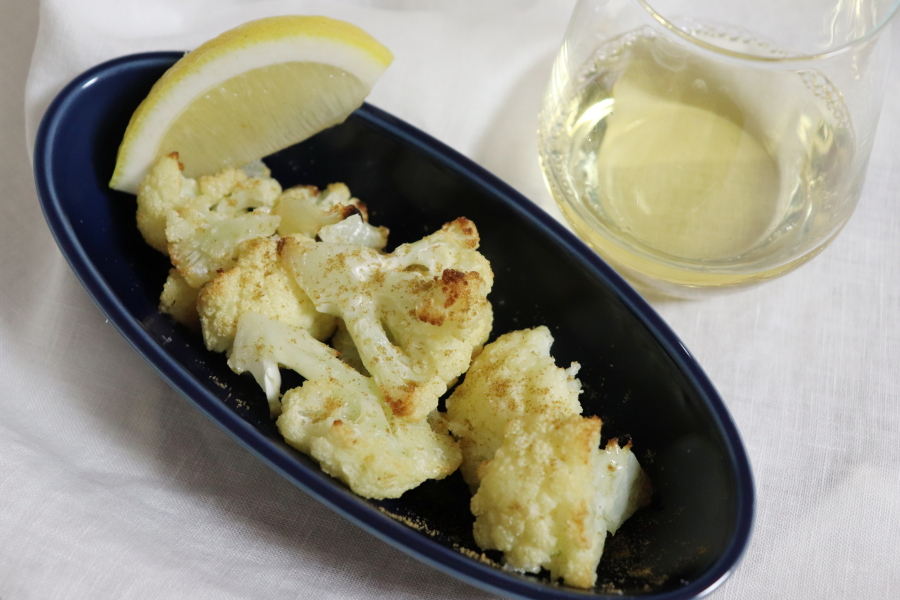 カリフラワーのオーブン焼き クミン・レモン風味